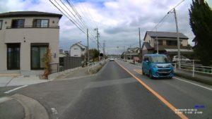 DRV-240で撮った昼の道路